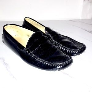 Tods patent leather gommino loafers